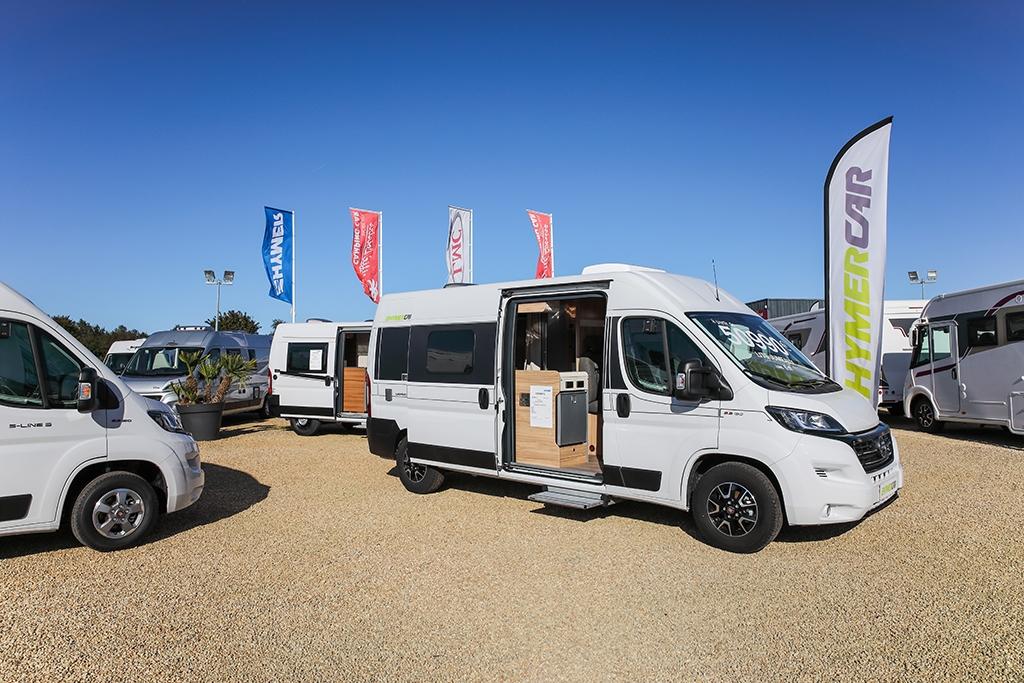 Votre concessionnaire vous propose une large gamme de camping-cars neufs