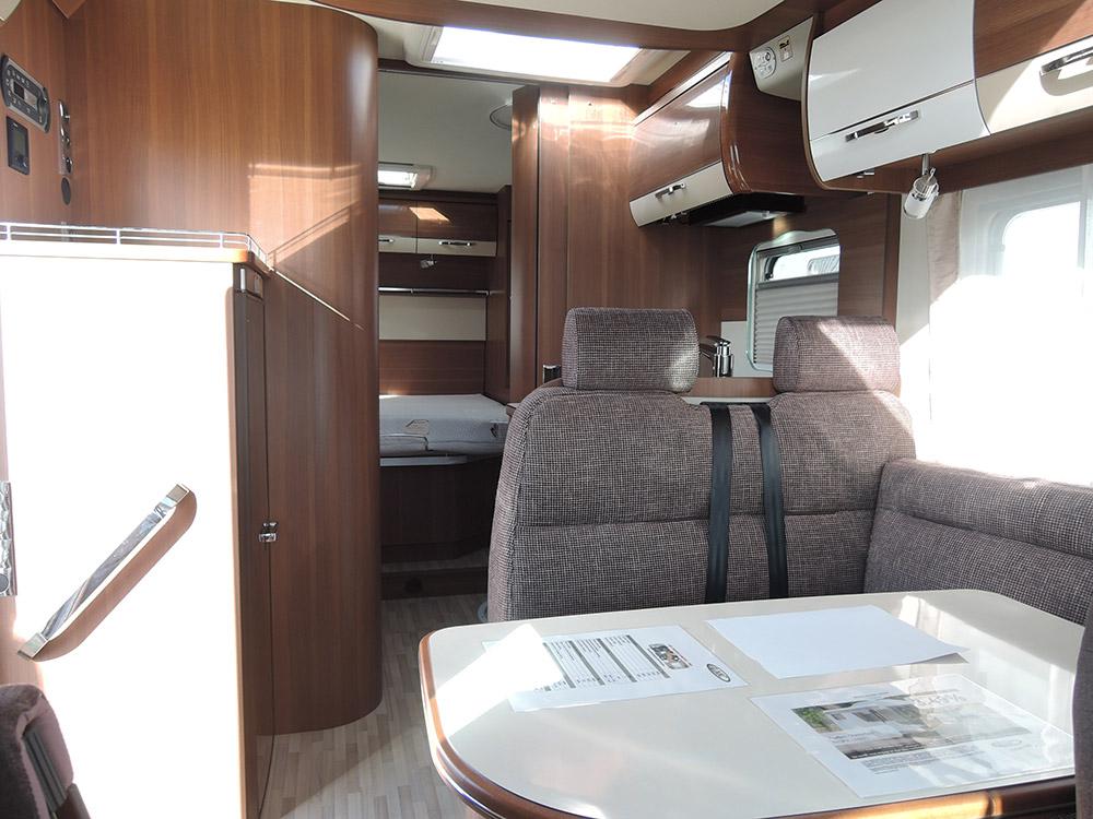 Location Camping Car Morlaix Lmc Salon